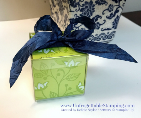Unfrogettable Stamping | Fabulous Friday altered clear tiny treat box featuring the Flourishing Phrases stamp set by Stampin' Up!